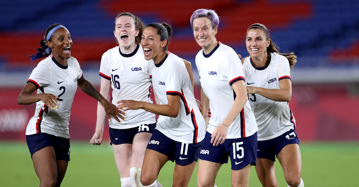 US Women's National Team celebrates victory over the Netherlands (2020 Olympics)