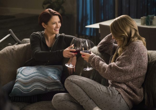 """image: Diyah Pera/The CW Supergirl -- """"Legion of Superheroes"""" -- Image Number: SPG310a_0013b.jpg -- Pictured (L-R): Chyler Leigh as Alex Danvers and Melissa Benoist as Kara -- © 2018 The CW Network, LLC All Rights Reserved."""