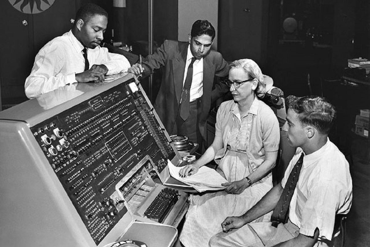 <i>Smithsonian Institution Neg. 83-14878. Date: na.</i> Grace Murray Hopper at the UNIVAC keyboard, c. 1960. Credit: Unknown (Smithsonian Institution)