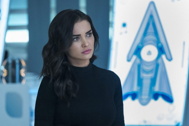 """image: Katie Yu/The CW Supergirl -- """"Both Sides Now"""" -- Pictured: Amy Jackson as Imra Ardeen/Saturn Girl -- © 2018 The CW Network, LLC. All Rights Reserved."""