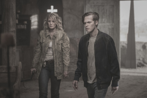 """Samantha Smith as Mary Winchester and Alexander Calvert as Jack in The CW's Supernatural: """"Unfinished Business"""""""