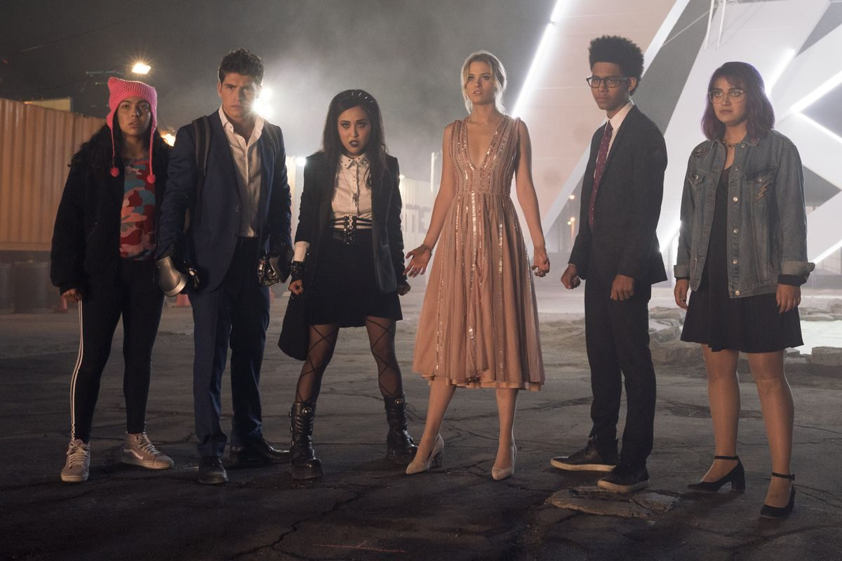 The cast of Marvel and Hulu's Runaways.