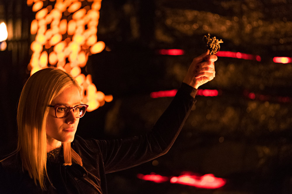Alice holds up some keys in Syfy's The Magicians.