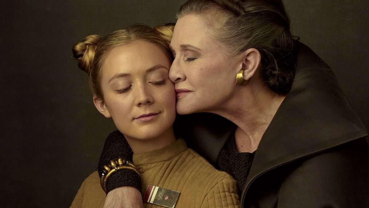 carrie fisher and billie lourd on the star wars set.