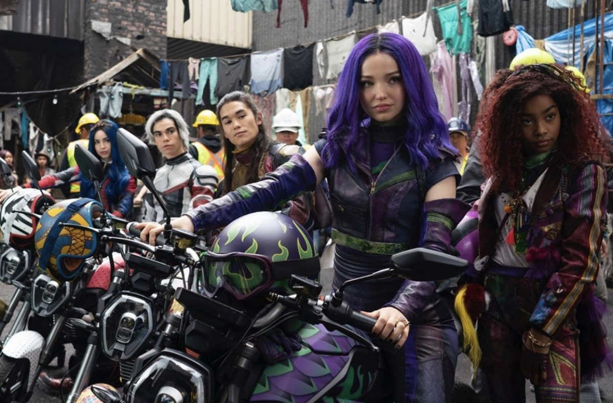 Booboo Stewart, Cameron Boyce, Dove Cameron, Sofia Carson, and Jadah Marie in Descendants 3 (2019)