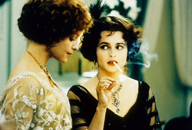 Helena Bonham Carter and Alison Elliott in The Wings of the Dove (1997)