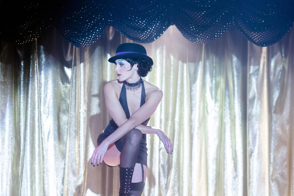 Kelli Barrett as liza Minelli