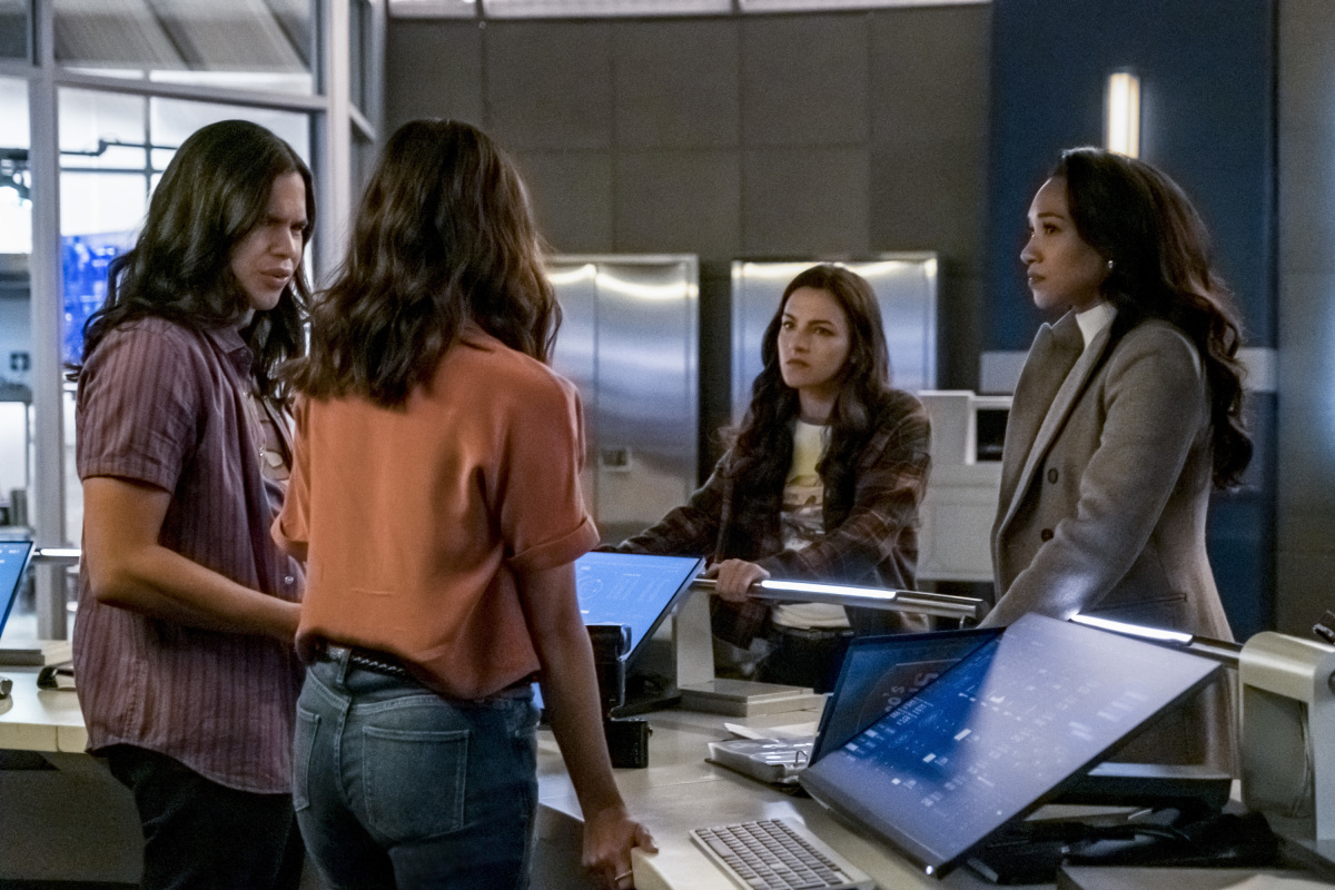 """The Flash -- """"Marathon"""" -- Image Number: FLA610a_0066b.jpg -- Pictured (L-R): Carlos Valdes as Cisco Ramon, Victoria Park as Kamilla, Kayla Compton as Allegra and Candice Patton as Iris West - Allen -- Photo: Katie Yu/The CW -- © 2019 The CW Network, LLC. All Rights Reserved."""
