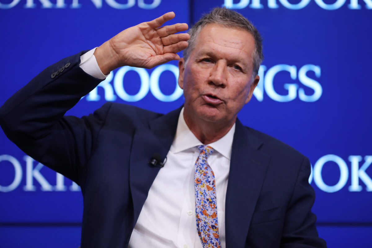 WASHINGTON, DC - OCTOBER 10: Ohio Gov. John Kasich participates in a discussion as part of the Brookings Institution's Middle Class Initiative October 10, 2018 in Washington, DC. Kasich, a Republican, and Colorado Gov. John Hickenlooper, a Democrat, participated in the discussion and found common ground on issues related to the economy, trade, education and other areas. Both governors are seen as potential 2020 presidential candidates. (Photo by Chip Somodevilla/Getty Images)