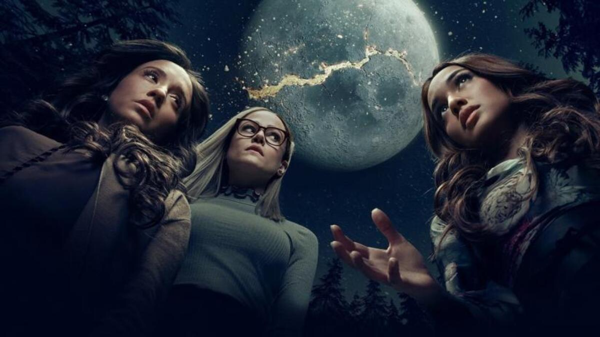 women from the magicians break the moon