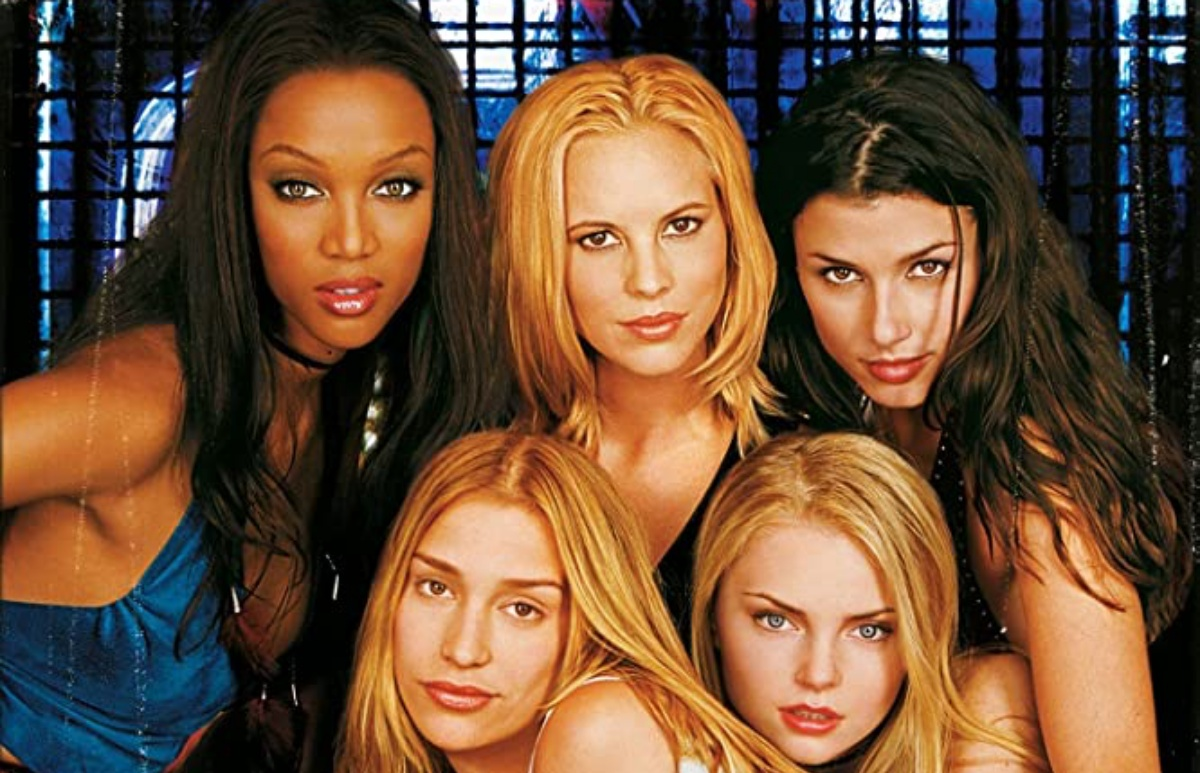 Things We Saw Today: Coyote Ugly Turns 20 Years Old and Tiny Gay Me Is Elated