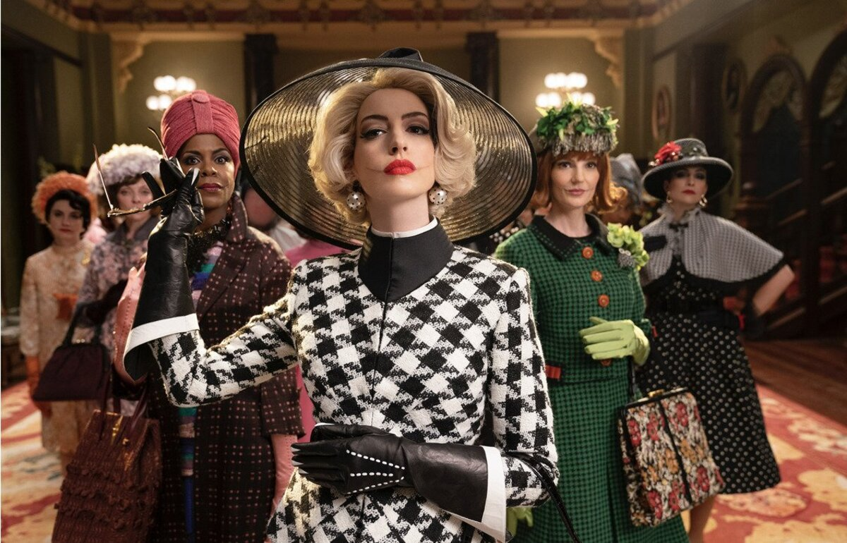 anne hathaway looks fabulous in the Witches