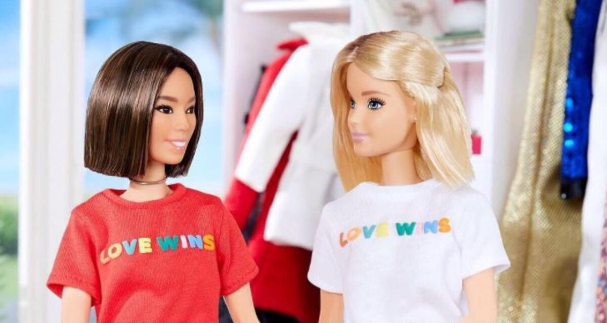 barbie and her girlfiend in love wins tees
