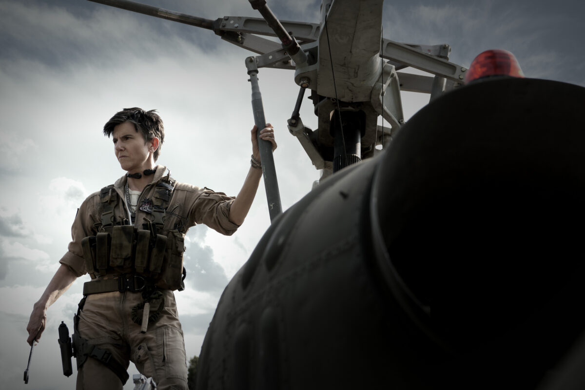 ARMY OF THE DEAD - TIG NOTARO as PETERS in ARMY OF THE DEAD. Cr. SCOTT GARFIELD/NETFLIX © 2021