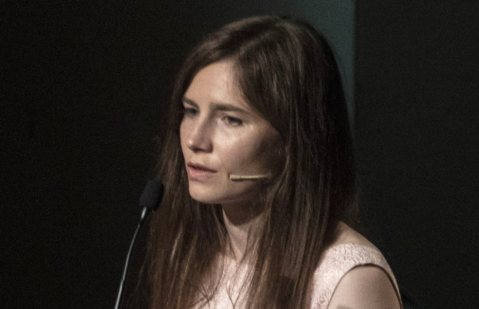 MODENA, ITALY - JUNE 15: American journalist Amanda Knox attends a panel session entitled Trial by Media during the first edition of the Criminal Justice Festival, an event organised by The Italy Innocence Project and the local association of barristers, on June 15, 2019 in Modena, Italy. The Italy Innocence Project focuses on the issues relating to wrongful convictions and miscarriages of justice in Italy. Guest speaker Amanda Knox makes her first visit back to Italy since she was wrongly convicted of murdering British student Meredith Kercher. Knox spent four years in prison following her conviction for the murder of her flatmate in 2007 and was definitively acquitted by the Italian Supreme Court of Cassation. (Photo by Emanuele Cremaschi/Getty Images)
