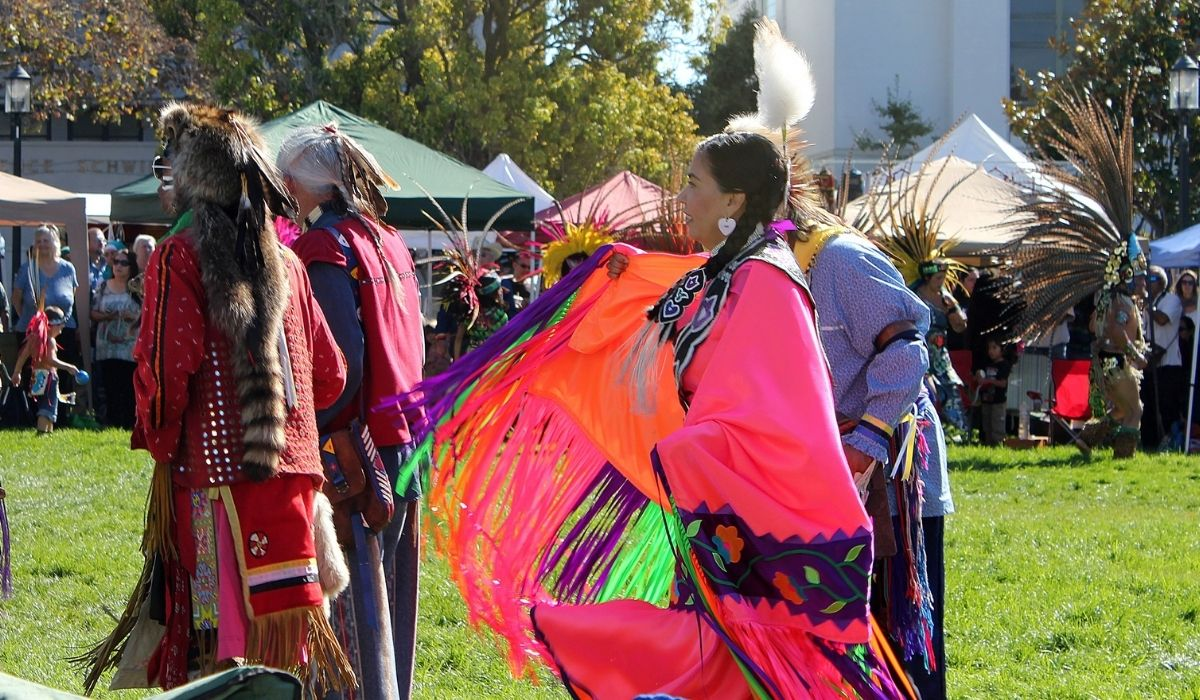 An outdoor celebration of Indigenous Peoples Day in Berkeley in 2012. (Image: Quinn Dombrowski/Flickr)