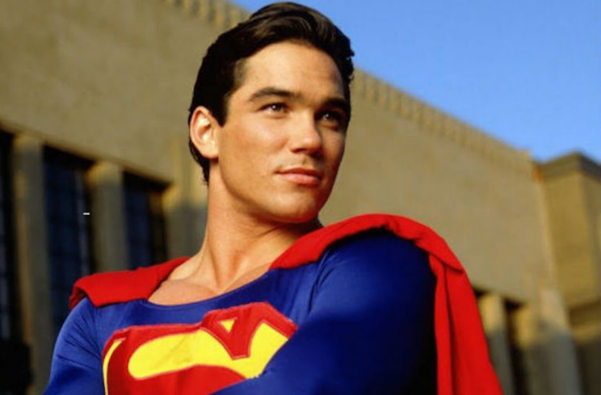 dean cain in a suit that doesn't belong to him. image: ABC